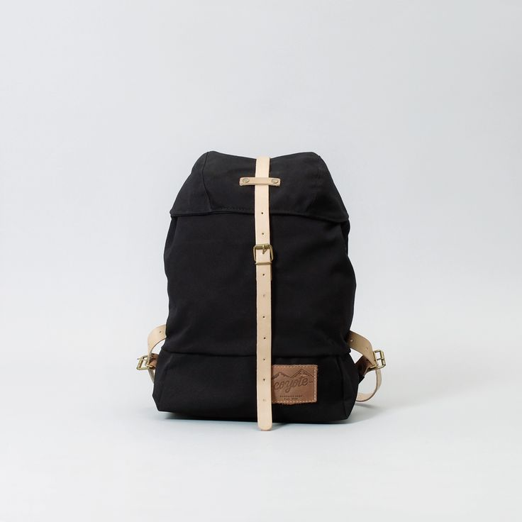 Daypack. Black. 2015 Everyday Collection.