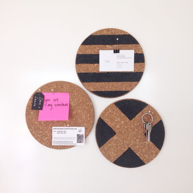 IKEA cork trivets turned into mini pinboards. So easy!