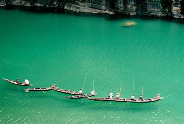 Umngot River in Meghalaya - 13 Attractions In India That Can Rival The Best In The World!