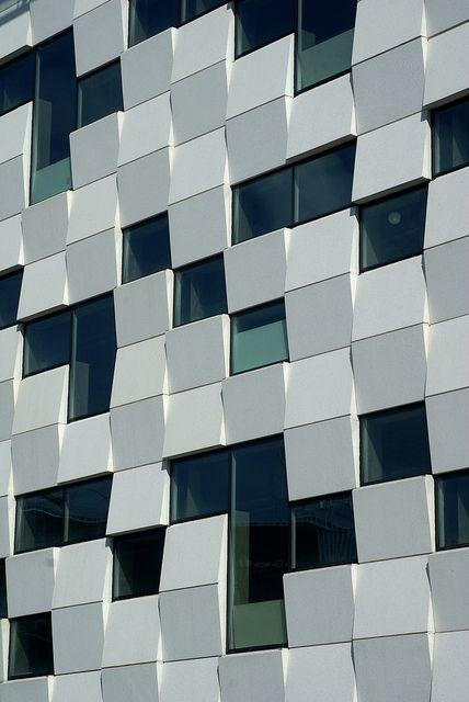 Fachada de un edificio de nueva construcción en el distrito de Hammarby sur de Estocolmo.
