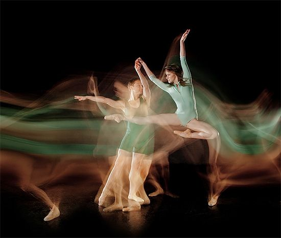 Dancers in Motion: Amazing Photos by Jesús Chapa-Malacara | Inspiration Grid | Design Inspiration