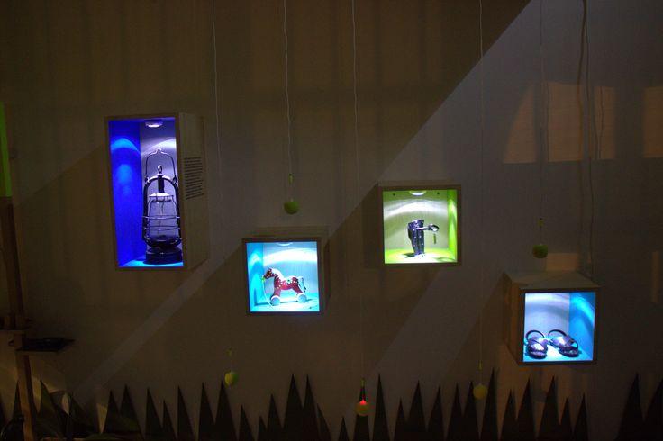 Wystawa O!Kolekcja  - wieczorem też warto u nas być. Ktoś chętny na noc w takim towarzystwie? Poznajcie historie tych obiektów!  #muzeumdladzieci #childrensmuseum #kidsmuseum #kidsinmuseum #ethnomuseuminwarsaw
