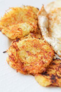 Spaghetti Squash Hash Browns - Vegan & Gluten Free - Sachie – More at http://www.GlobeTransformer.org