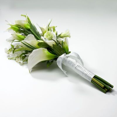 """Calla lily bridesmaid bouquet with beads instead of ribbon? Maybe with a few """"crafty"""" roses mixed in."""