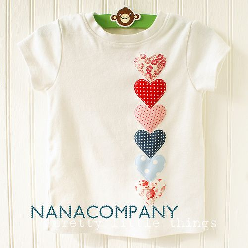 Aplicación guirnalda corazones para camieta infantil heart to heart applique tee by nanaCompany, via Flickr