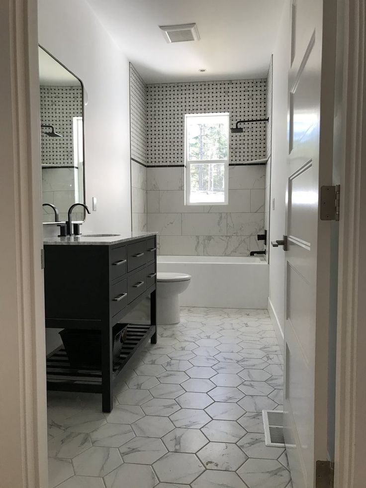 "Bathroom Renovations Kingston Ontario: Aqua Eden 60"" X 31"" Alcove Soaking Bathtub"