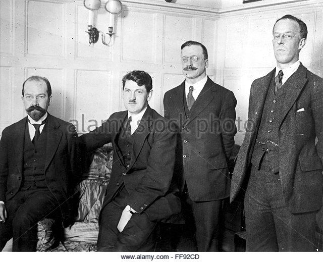 IRISH FREE STATE, 1921. /nArthur Griffith, second from right, with members of the Irish delegation which negotiated - Stock Image