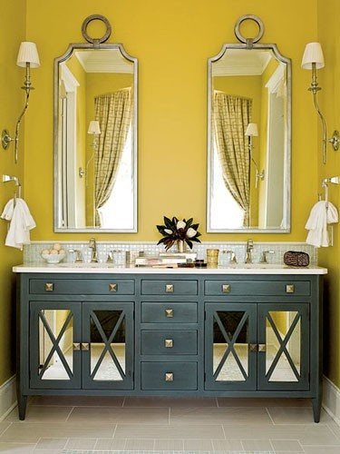 Love the vanity and the sconces on the side walls although I would have hung them a bit lower.