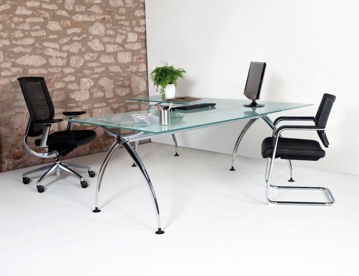 Crea ambientes de trabajo llenos de estilo, espaciosos y dinámicos con los muebles de oficina de la serie ARS.