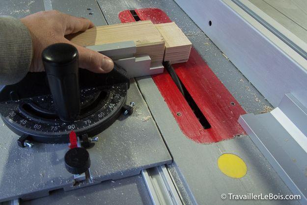 Réalisation d'un tenon en bois à l'aide d'une scie sur table Bosch GTS 10 XC