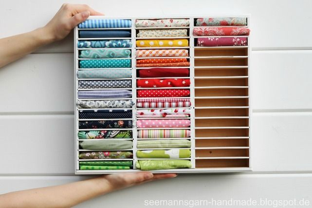 Upcycling: altes Kassetten-Regal wird Stoffreste-Lager! Turn wooden cassette rack into a new home for your fabric!