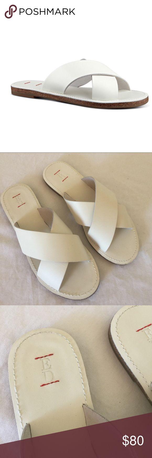 ED ellen degeneress, nwob, 8, sydneys ED for Ellen Degeneress, SYDNEY slides, white, nwob, size 8, soldout online🚫no trades. runs true to size. Looks great with an all white pedicure. ED ellen degeneress Shoes Sandals