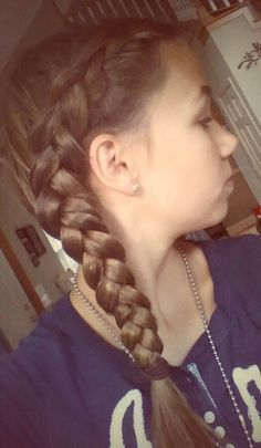 Side Braid | Quick and Easy Back to School Hairstyles for Teens