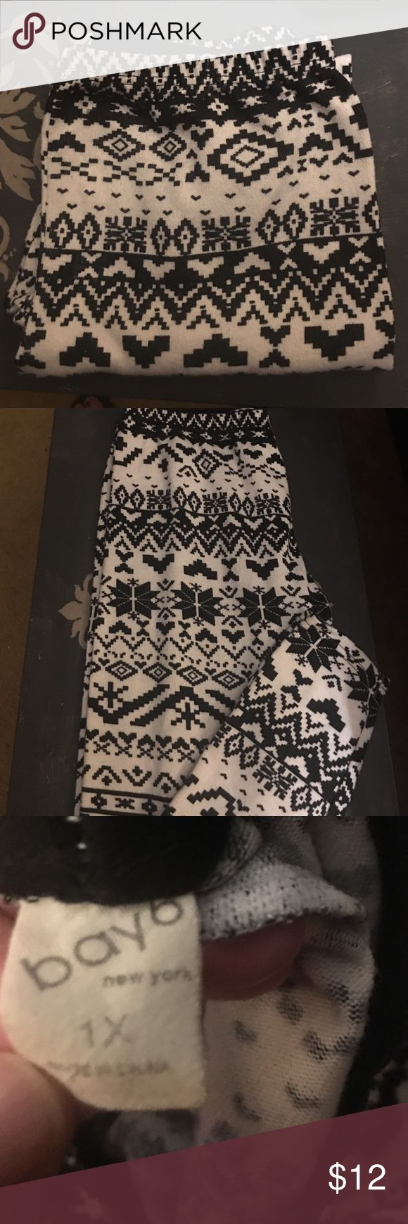 Cute black & white leggings tights Aztecs Tag says 1X but I would prefer you get something you can actually wear so these would fit probably an adult small to medium Pants Leggings