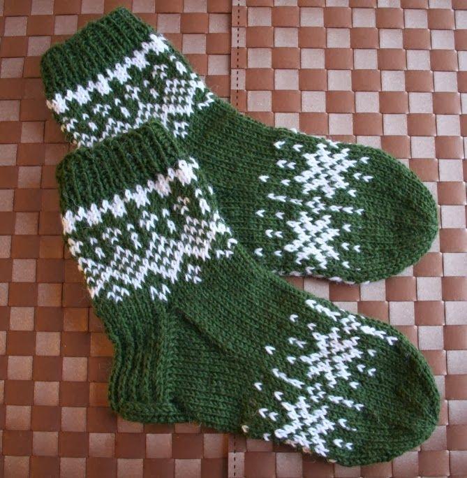 Pukin kontti täyttyy nyt kovalla vauhdilla pehmeillä paketeilla: Winter Night-sukat Malli : Ravelrystä Lanka : Novita 7 veljestä ...