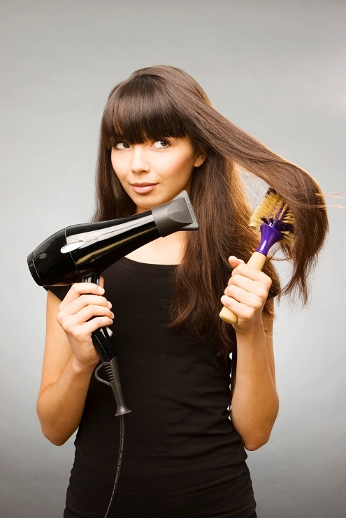 You should limit the use of the dryer, because it increases your hair frizz, we recommend investing in a dryer with ionic technology to increase brightness while you reduce frizz.