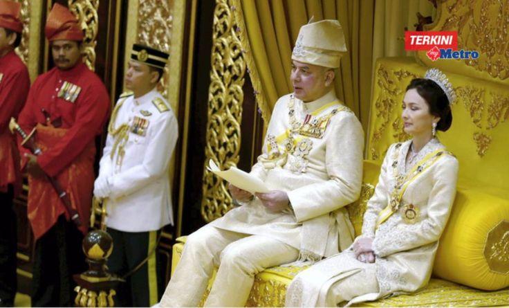 Rasuah berleluasa dan sistem cukai tinggi akibatkan pemerintahan jatuh  Sultan Perak   Sultan Nazrin Muizzuddin Shah bertitah bahawa rasuah berleluasa dan sistem cukai tinggi diperkenalkan boleh mengakibatkan pemerintahan jatuh sepertimana yang berlaku terhadap Melaka pada 1511.  Rasuah berleluasa dan sistem cukai tinggi akibatkan pemerintahan jatuh  Sultan Perak  Sultan Perak bertitah sejarah Melaka perlu dijadikan iktibar oleh pemimpin dan rakyat negara ini kerana sekiranya ia tidak dijaga…