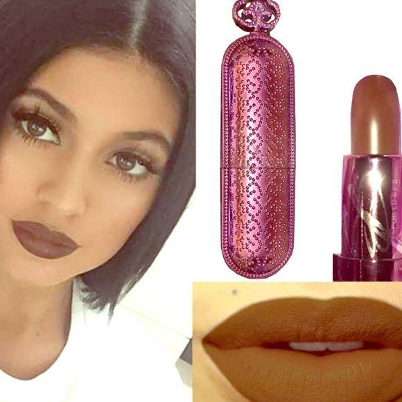 "⭐️Kylie Jenner Brown Lip Colour SpoiledByB⭐️  ⭐️SpoiledByB ""Kylie Jenner"" Lip Colour Brown - Long Lasting Matte Colour⭐️  SpoiledByB Makeup Lipstick"