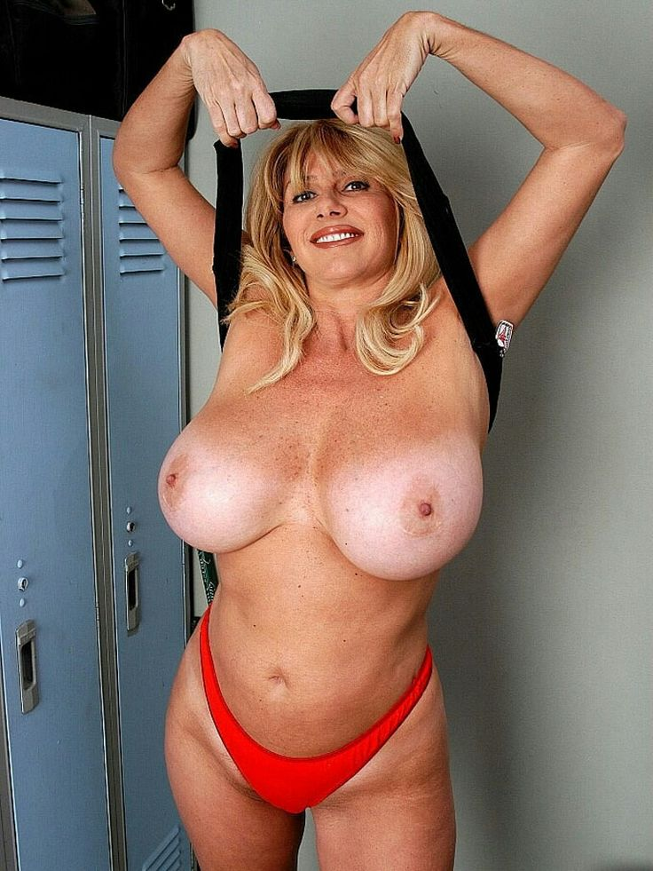 Chubby mature huge tits-6876