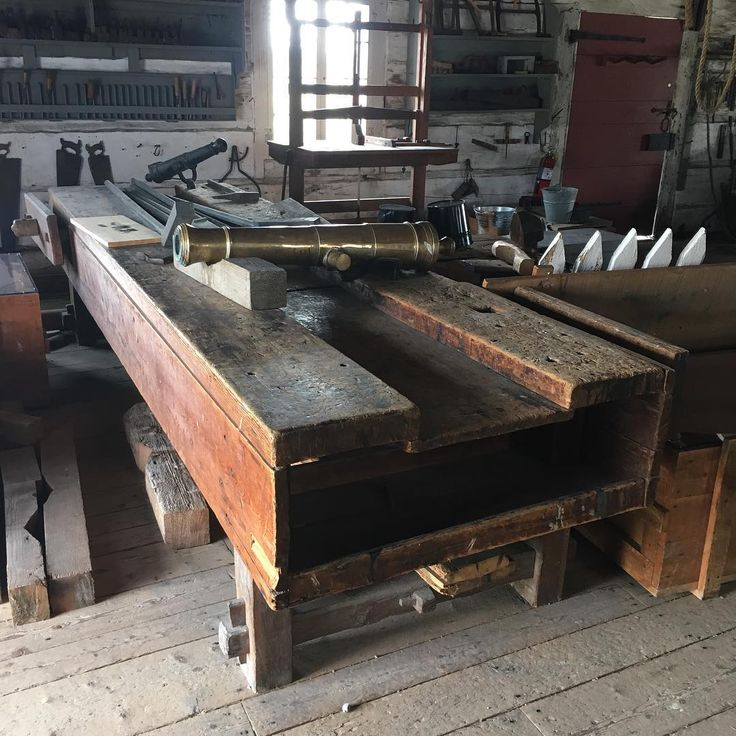 We saw this massive workbench in the Fort George workshop.  It must have been 15' long with a massive vise on the front left leg.  Not sure how old it is because this fort was rebuilt but this definitely shows signs of age and use.