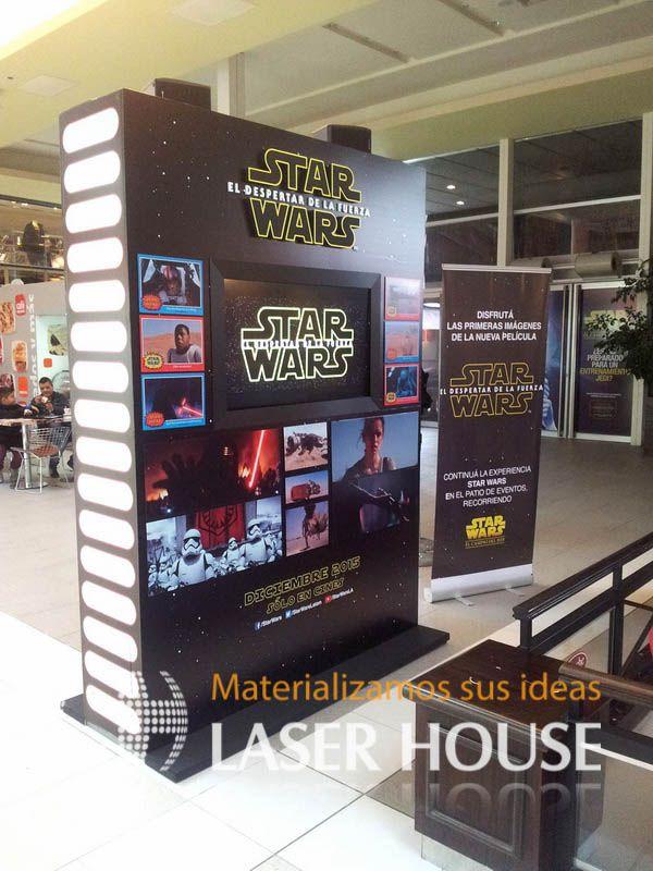 display pop realizado en madera, con logos corporeos y grafica digital e iluminacion led