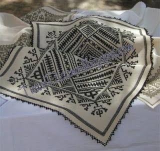 Sardinian knot stitch