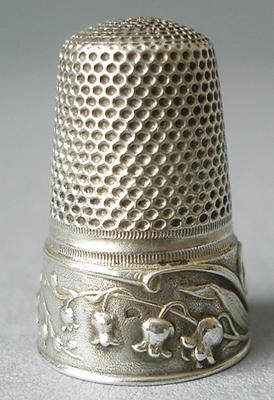 The Common Thread   Antique sterling Lily of the Valley thimble