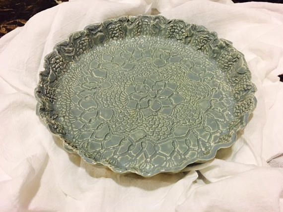 Pottery Pie Plate- Antique Lace (Wedgwood)
