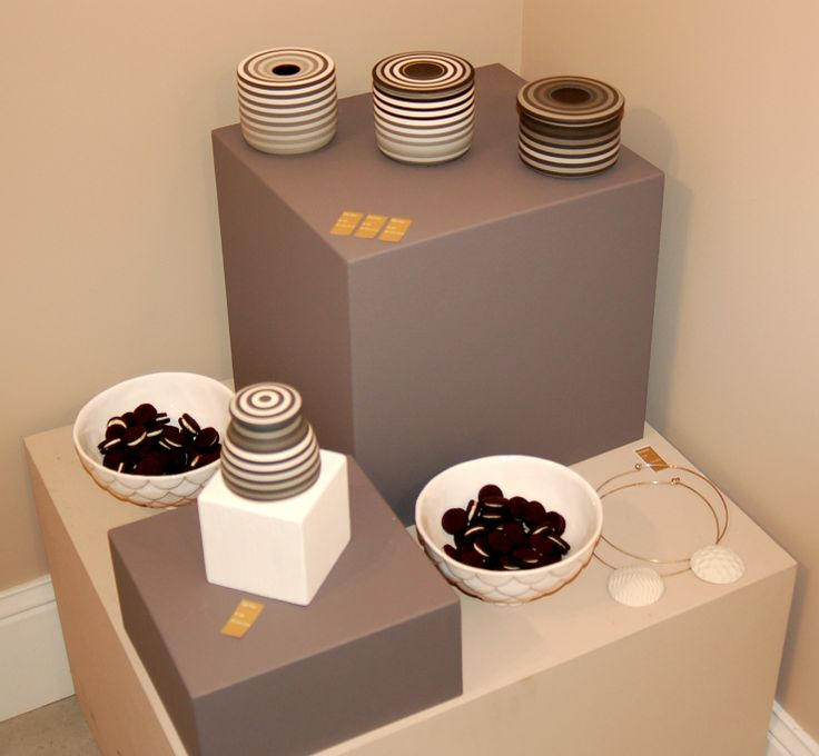 Black and White party, works by Jin Eui Kim (and oreos!) at http://www.desig-design.com