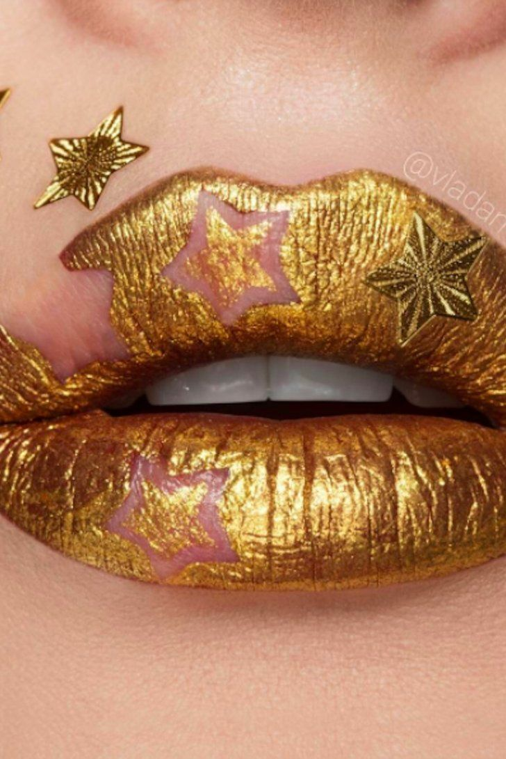 Negative Space Lip Art Is the Avant-Garde Holiday Trend You Haven't Seen Yet