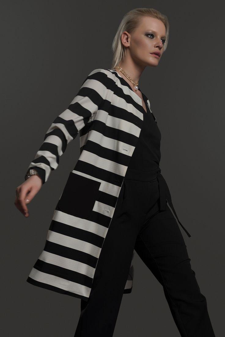 İroni Siyah Beyaz Çizgili Ceket