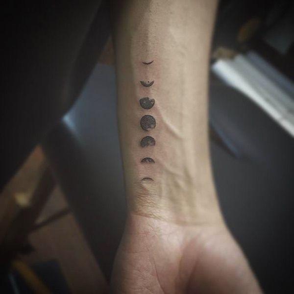 Geniales tatuajes minimalistas para hombres, porque a veces menos es más.   #tatuajes #minimalistas #tatuajes hombres