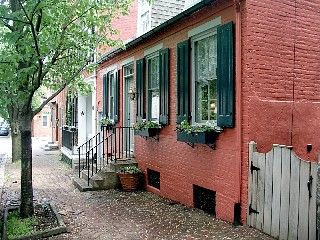 Charming Lancaster City House - Walk to Theaters and Restaurants  http://www.homeaway.com/vacation-rental/p188404