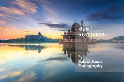 Tranquil sunrise view at of Masjid Putra located in Putrajaya, Malaysia. #MasjidPutra #Malaysia #Putrajaya #Mosque