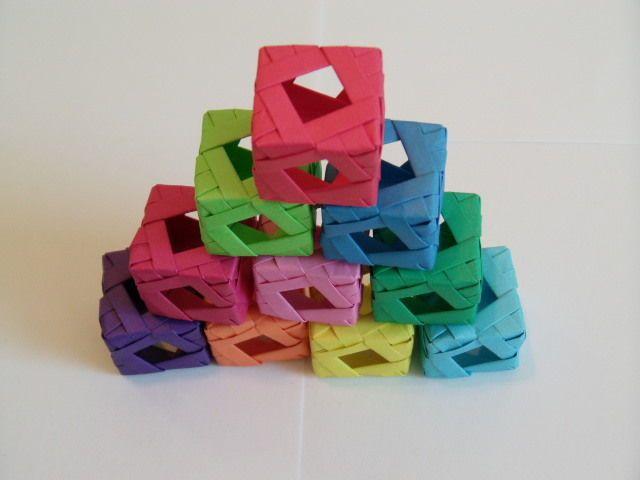 Diamond Window Cube (Modular Origami) instructable by sherrycayheyhey