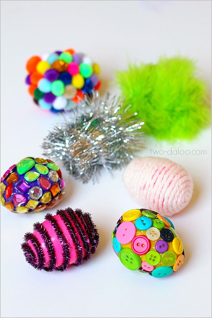 Texture Eggs: A sensory play and language activity