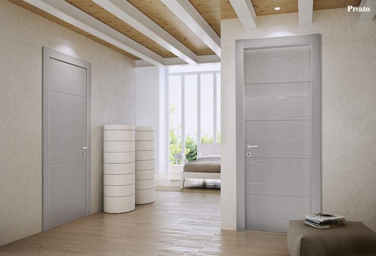 Porte interne in legno laccato spazzolato grigio tortora