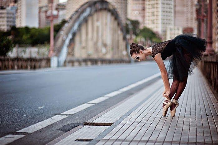 fotos-book-15-anos-bh-melhores-criativas-bailarina-estudio-studio-fazer-15-anos-festa-ADR1067.jpg (700×466)