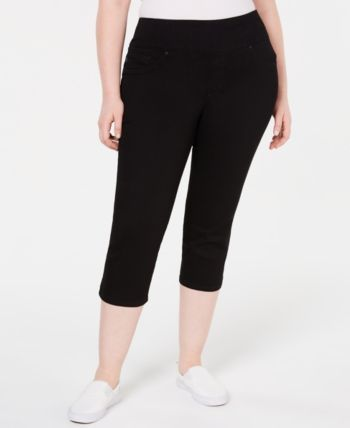 Plus Size Pull-On Sculpting Capri Jeans 3