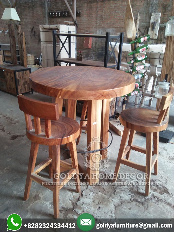 #mejabar dari kayu #trembesi solid yang langsung diproduksi oleh para tenaga tukang kayu profesional di #jepara siap dipesan sekarang juga. Melayani juga pemesanan produk #mebeljepara lainnya.