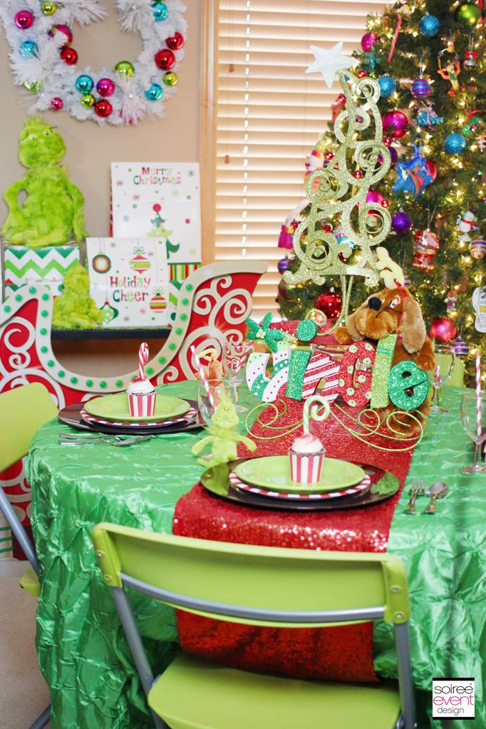 | Setup a Grinch Themed Kid's Table for Christmas Dinner | http://soiree-eventdesign.com