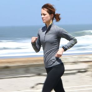 Half Marathon Training Schedule For Beginners...maybe should do this.