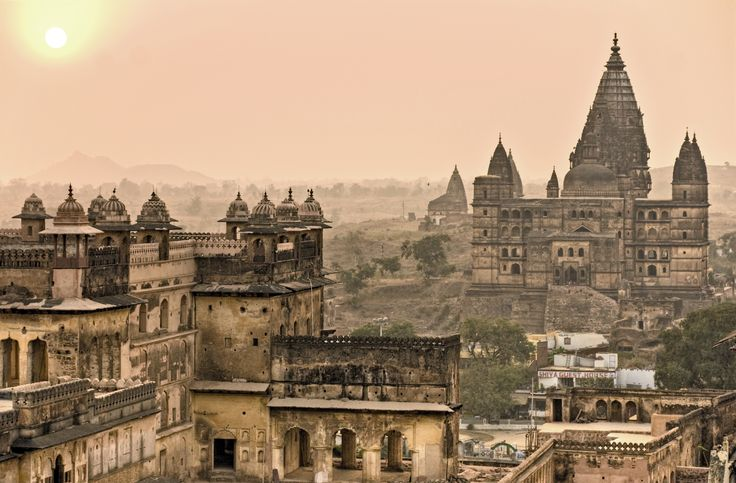 #Orchha is a small town in Madhya Pradesh but it has beautiful architectures and stories. The travellers have experienced some supernatural activities in this town.  Share with us your stories if you have felt something eerie in this small town.  Travel to Orchha, the nearest city is Gwalior and for a comfortable stay, book an OYO!  Happy Travelling!  #OYORooms #OYOexplorer #AurKyaChahiye