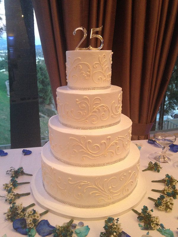 wedding cakes with initials on top 26 best images about anniversary cakes on 26046