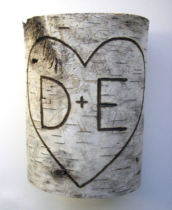 Lovely vase. Great gift for a wedding or anniversary or even a house-warming. Would be cool to do with wood from my parents or in-laws property.