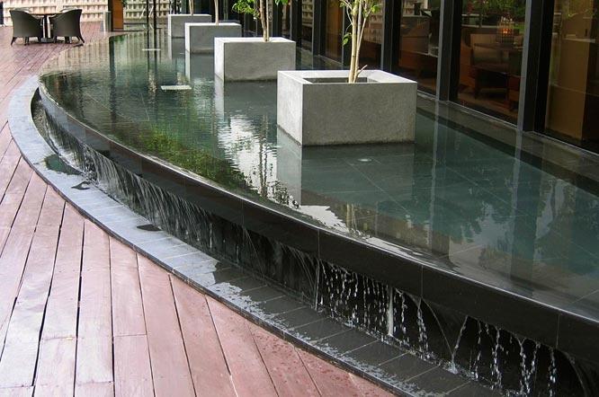 Black Silk Granite Fountain - Maiden Stone Inc.
