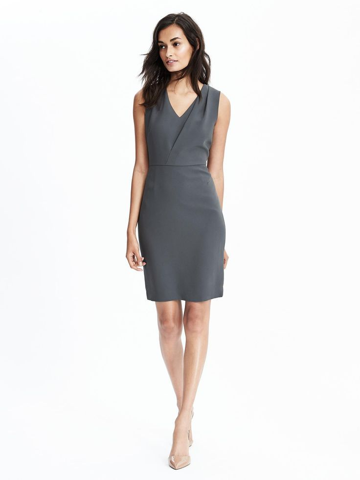 grey work dress x Banana Republic | Skirt the Ceiling | skirttheceiling.com