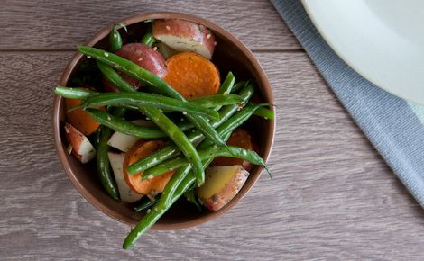 Herb & Garlic Potatoes with Green Beans