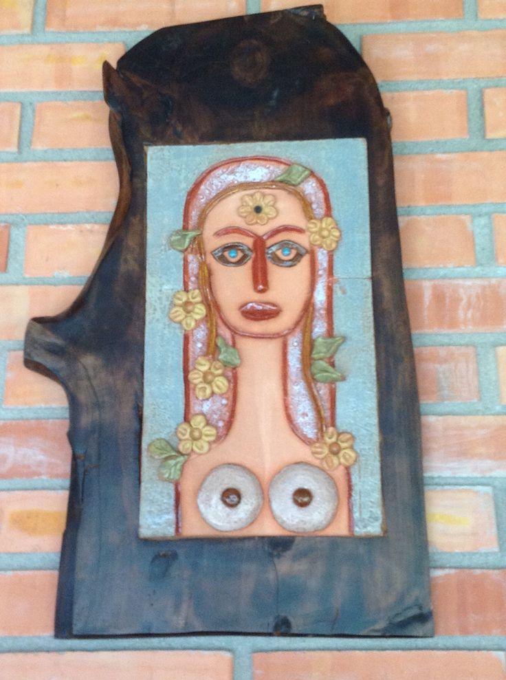 Mujer en retablo II
