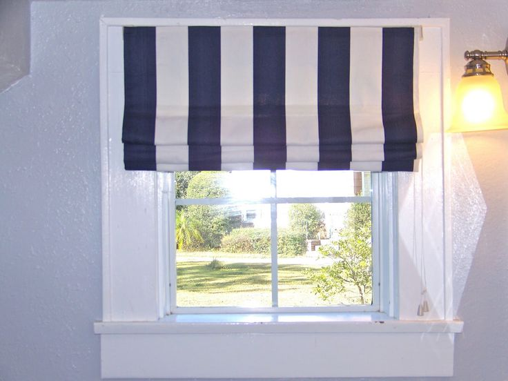 Way to go! Making nautical roman shade out of those inexpensive blinds!!